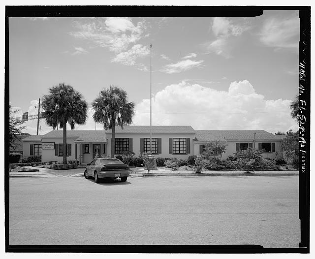 View of north front, facing south - Griffin Park, Administration Building, 520 Callahan Street, Orlando, Orange County, FL