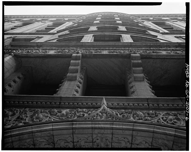 6.  DETAIL, PRYOR STREET FACADE CENTRAL BAY, LOOKING UP - Equitable Building, 25 Pryor Street Northeast, Atlanta, Fulton County, GA