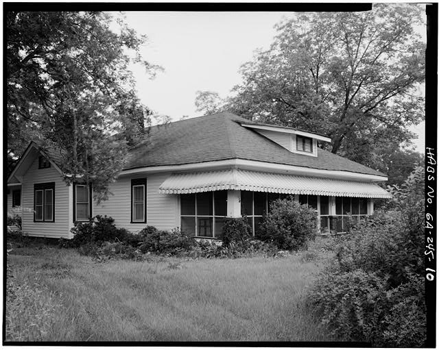 10.  SOUTHWEST FRONT AND NORTHWEST SIDE, LOOKING EAST - Jimmy Carter Boyhood Home, Old Plains Highway (Lebanon Cemetery Road), Plains, Sumter County, GA