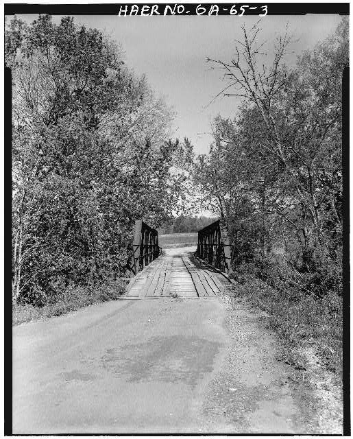 3.  South approach - Gordon County Road 220 Bridge, Spanning Pine Log Creek on County Road 220, Fairmount, Gordon County, GA