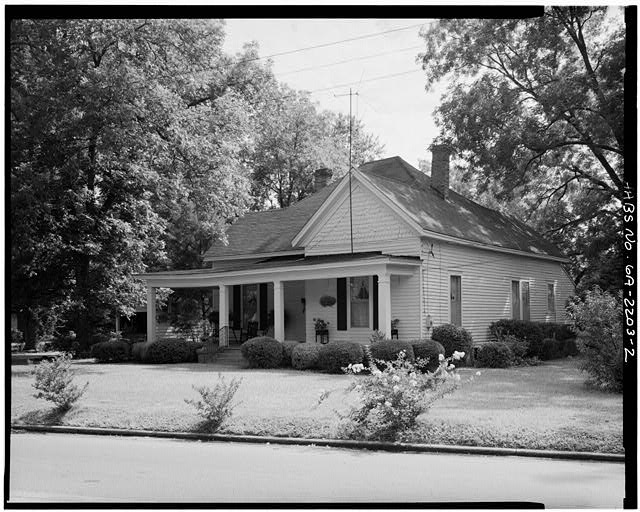 2.  WEST FRONT, SOUTH SIDE, LOOKING NORTHEAST - Rosalynn Carter Childhood Home, 219 South Bond Street, Plains, Sumter County, GA