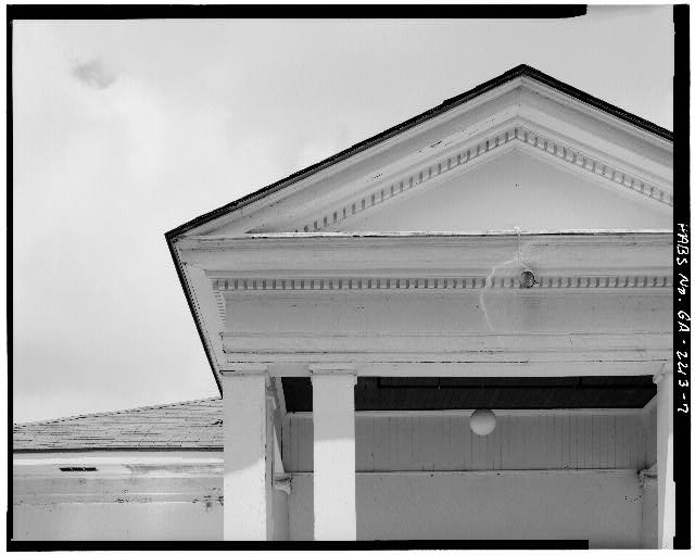 EAST PORCH, DETAIL OF PEDIMENT - Wise Sanatorium No. 2, Hospital Street, Plains, Sumter County, GA