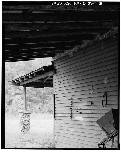 5.  DETAIL OF SOUTHEAST SIDE UNDER ROOF - Jimmy Carter Boyhood Home, Commissary, Old Plains Highway (Lebanon Cemetery Road), Plains, Sumter County, GA