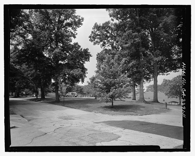 FACING SOUTHWEST OF NORTHEASTERN CORNER OF PARK FROM INTERSECTION OF TERRACE AVENUE AND CLIFTON ROAD - Candler Park Historic District, Roughly bounded by Moreland, Dekalb, McLendon & Harold Avenues, Matthews Street  & Clifton Terrace, Atlanta, Fulton County, GA