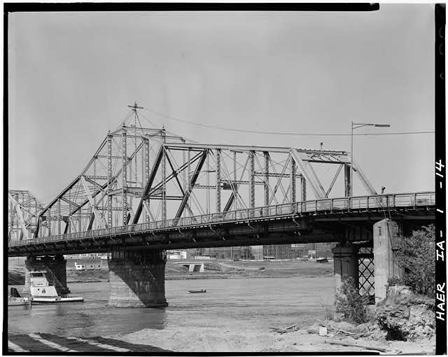 14.  3/4 View of South Swing Span, looking NE. - Pacific Shortline Bridge, U.S. Route 20,spanning Missouri River, Sioux City, Woodbury County, IA