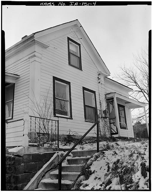 4.  NORTH SIDE, VIEW TO SOUTHWEST - P. J. Almquist House, 16 Second Street Northwest, Waukon, Allamakee County, IA