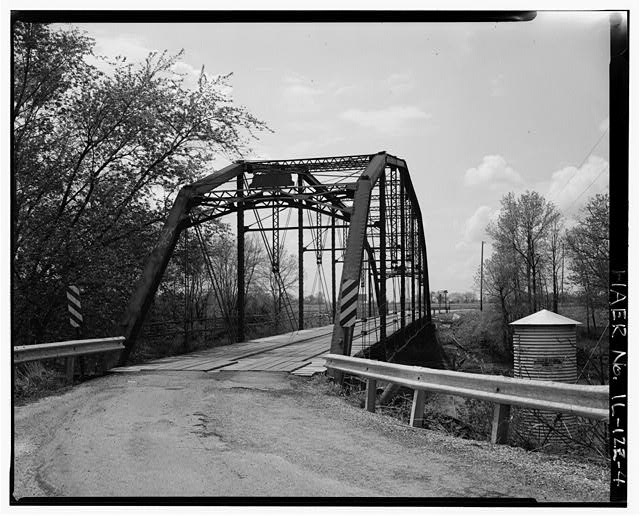 4.  APPROACH AND EAST PORTAL - Fidler Bridge, Spanning Iroquis River at County Highway 45, Watseka, Iroquois County, IL