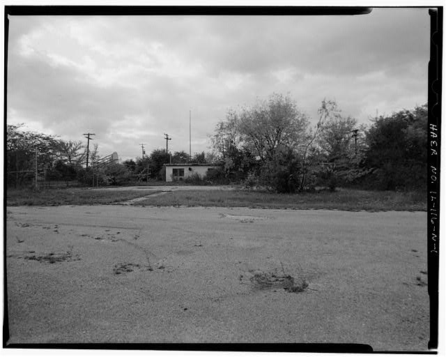 1.  BASKETBALL COURT, EAST OF MESS HALL, LOOKING WEST. - NIKE Missile Base C-84, Basketball Court, East of Mess Hall, Barrington, Cook County, IL