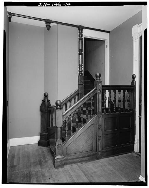 14.  FIRST FLOOR STAIR HALL LOOKING EAST - Thomas Harrison House, 514 West Main Street, Richmond, Wayne County, IN