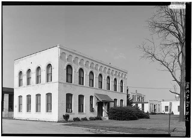 1.  GENERAL VIEW FROM SOUTHWEST (OFFICE BUILDING) - Speed Changing Pulley Company Factory, Thirty-second Street, Anderson, Madison County, IN