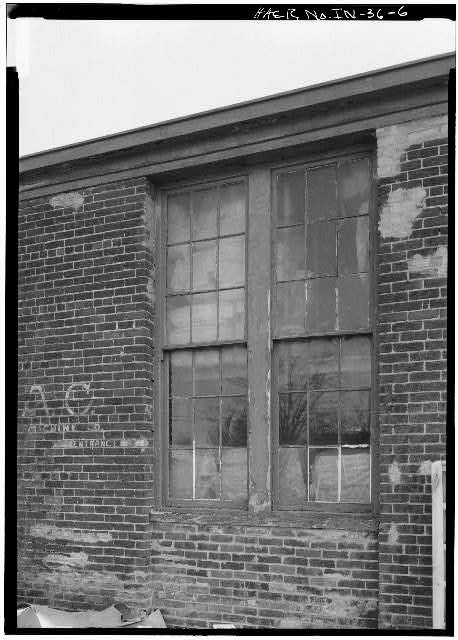 6.  DETAIL VIEW OF NORTH WINDOWS - Speed Changing Pulley Company Factory, Thirty-second Street, Anderson, Madison County, IN