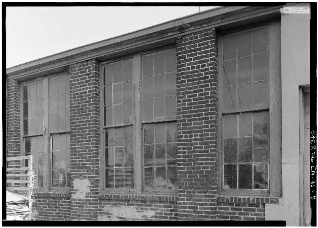 7.  VIEW SHOWING NORTH WINDOWS - Speed Changing Pulley Company Factory, Thirty-second Street, Anderson, Madison County, IN