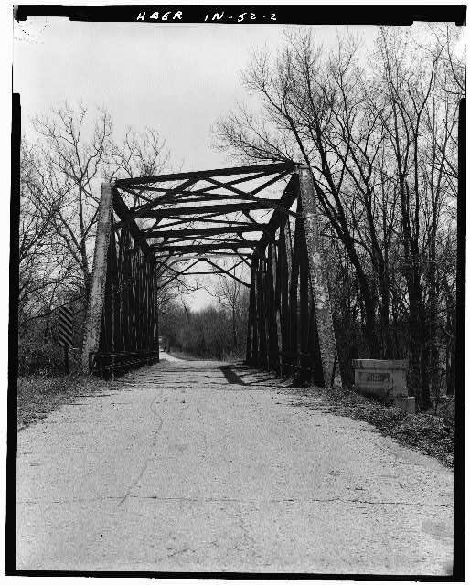 2.  NORTH PORTAL, FACING SOUTH - Hamilton County Bridge No. 218, Greenfield Pike, spanning Stoney Creek, Noblesville, Hamilton County, IN
