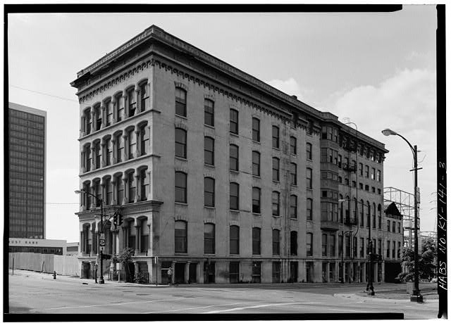3.  VIEW OF SIDE ELEVATION WITH WINDOWS - Lithgow Building, 301 West Main Street, Louisville, Jefferson County, KY