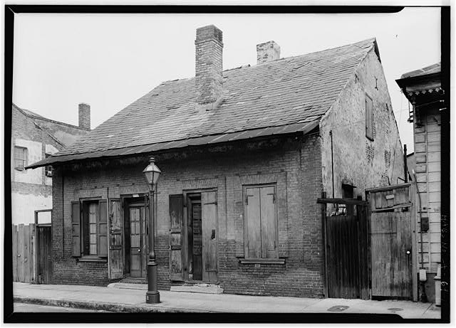 1.  EXTERIOR FACADE AND RIGHT SIDE - Gaillard House, 915-917 Saint Ann Street, New Orleans, Orleans Parish, LA