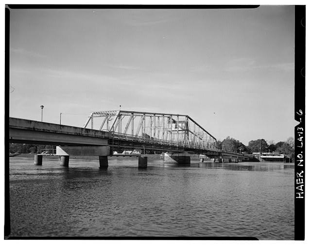 6.  SWING SPAN NORTHWEST ELEVATION, LOOKING SOUTHWEST TOWARD WEST MONROE, LA. - DeSiard Street Bridge, Spanning Ouachita River, Monroe, Ouachita Parish, LA