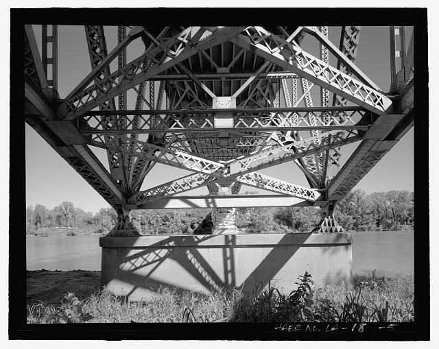 Substructure, view looking east - Long-Allen Bridge, Texas Street Bridge, Spanning the Red River on US 80, Shreveport, Caddo Parish, LA