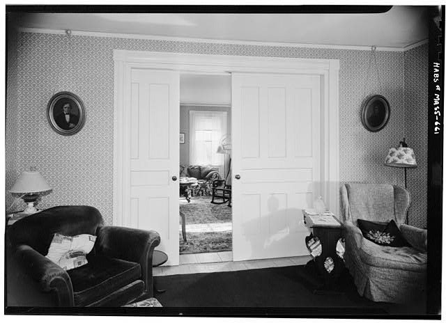 4.  Historic American Buildings Survey SLIDING DOOR, SOUTH ROOMS DIVIDER, FIRST FLOOR - November 1959 - Captain Samuel Lane House, 33 Main Street, Northfield, Franklin County, MA