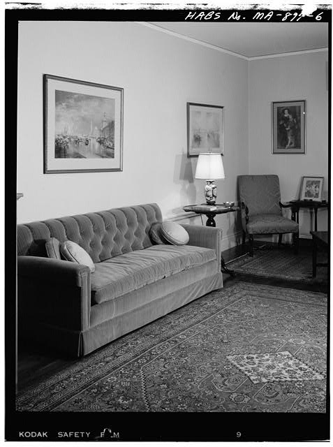 6.  FIRST FLOOR, LIVING ROOM, VIEW OF NORTHEAST WALL - John Fitzgerald Kennedy Birthplace, 83 Beals Street, Brookline, Norfolk County, MA