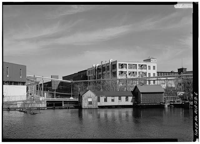 6.  SWAMP LOCKS FROM UPSTREAM, LOOKING EAST: 1976 - Pawtucket Canal, Swamp Locks, Pawtucket & Merrimack Canals, Lowell, Middlesex County, MA