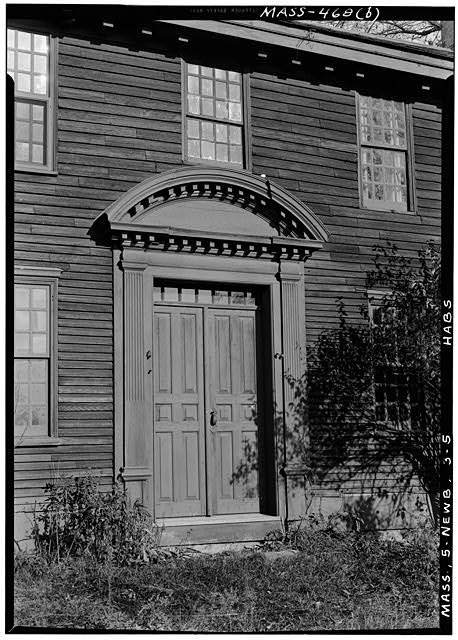 5.  Historic American Buildings Survey Frank O. Branzetti, Photographer Oct. 29, 1940 (b) EXT.-FRONT ENTRANCE - Knight-Short House, 6 High Street, Newbury Old Town, Essex County, MA