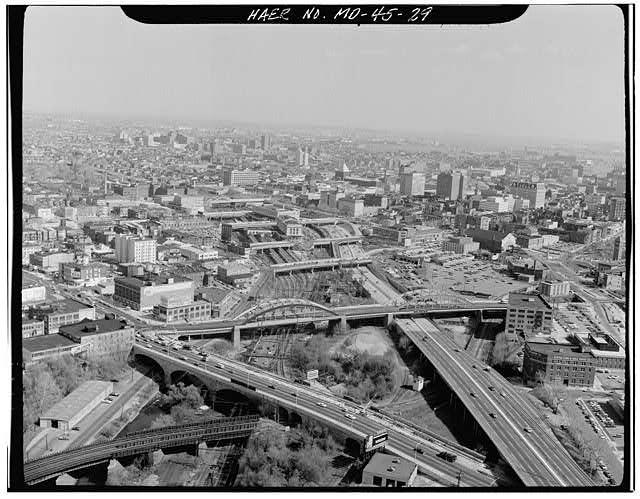 General view looking SE at corridor and Pennsylvania Station. Baltimore, Baltimore City, MD. Sec. 1201, MP 93.23. - Northeast Railroad Corridor, Amtrak route between District of Columbia/Maryland state line & Maryland/Delaware state line, Baltimore, Independent City, MD