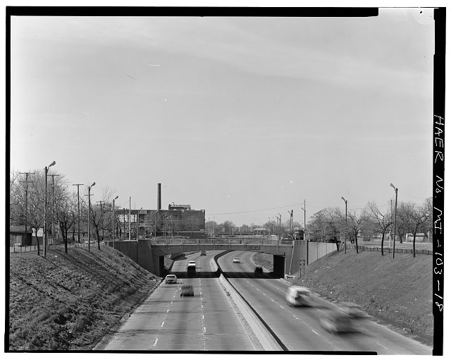 18.  LONG VIEW WEST, FROM SECOND AVENUE BRIDGE - Davison Freeway from M-10 to Oakland Avenue, M-10 to Highland Park, Highland Park, Wayne County, MI