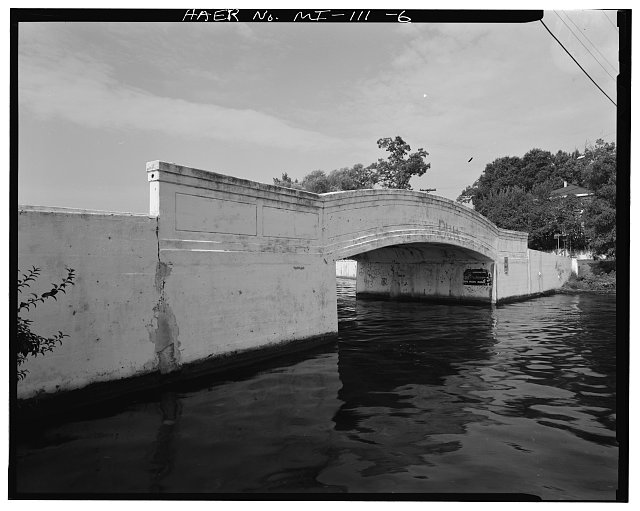 6.  NORTHWEST VIEW OF EAST FRONT - Bellevue Road Bridge, Spanning Lake Orion, Lake Orion, Oakland County, MI