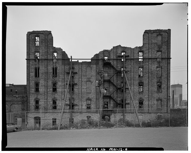 6.  NORTH SIDE, LOOKING SOUTH - Crown Roller Mill, 105 Fifth Avenue, South, West Side Milling District, Minneapolis, Hennepin County, MN