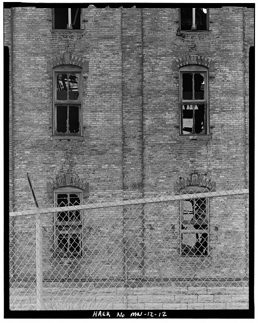 12.  NORTH SIDE, DETAIL OF EASTERNMOST WINDOWS ON FIRST AND SECOND FLOORS; LOOKING SOUTH   - Crown Roller Mill, 105 Fifth Avenue, South, West Side Milling District, Minneapolis, Hennepin County, MN