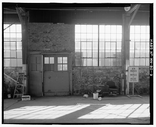 9.  INTERIOR VIEW OF SOUTH DOOR AND WINDOWS - Saint Paul Airport Municpal Hangar, 674 Bay Field Street, Saint Paul, Ramsey County, MN
