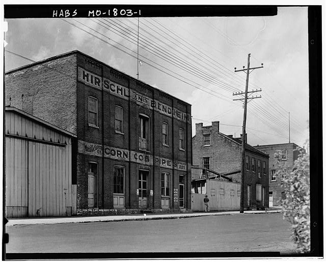 1.  STORE FRONT - Bendheim Corncob Pipe Factory, Washington, Franklin County, MO