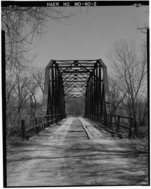 2.  VIEW OF WEST PORTAL AND APPROACH, LOOKING EAST - Grand River Bridge, Spanning Grand River, on County Road No. 459, Gentryville, Gentry County, MO