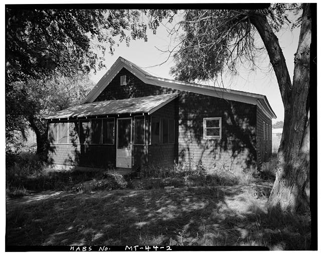 2.  Front and Right Side - U. S. Indian Service Laborer&#39;s Cottage, Lame Deer, Rosebud County, MT