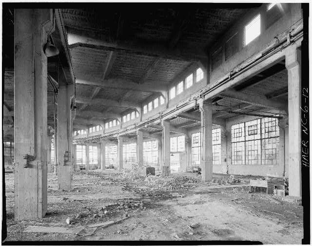 12.  JoAnn Sieburg-Baker, Photographer, September 1977. INTERIOR VIEW OF ROUNDHOUSE. - Glencoe Cotton Mills, State Routes 1598 & 1600, Glencoe, Alamance County, NC