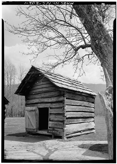 Front and side - Pioneer Farmstead, Meat House, U.S. Route 441 (moved from NC, Cataloochee), Cherokee, Swain County, NC