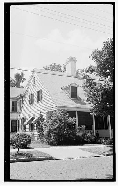 2.  Historic American Buildings Survey, Archie A. Biggs, Photographer June 17, 1937 VIEW LOOKING NORTHWEST. - Lee House, 507 Middle Street, New Bern, Craven County, NC