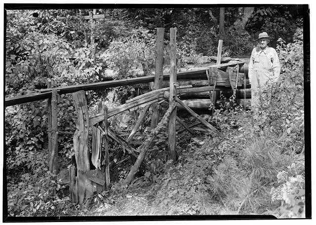 4.  Historic American Buildings Survey, Edouard E. Exline, Photographer September 22, 1935 GENERAL VIEW PESTLE IN LOWERED POSITION. - Pounding Mill, Pioneer Museum, Route 441 (moved from Deep Creek), Cherokee, Swain County, NC