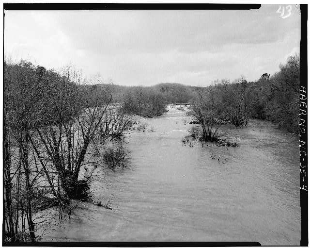 4.  VIEW OF FALLS AT DAM, VIEW LOOKING WEST (UPSTREAM FROM U.S. 1 BRIDGE) - Lockville Hydroelectric Plant, Deep River, 3.5 miles upstream from Haw River, Moncure, Chatham County, NC