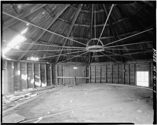 4.  VIEW OF INTERIOR OF OIL TANK STORAGE BUILDING - Concord Gas Light Company, Oil Tank Storage Building, South Main Street, Concord, Merrimack County, NH