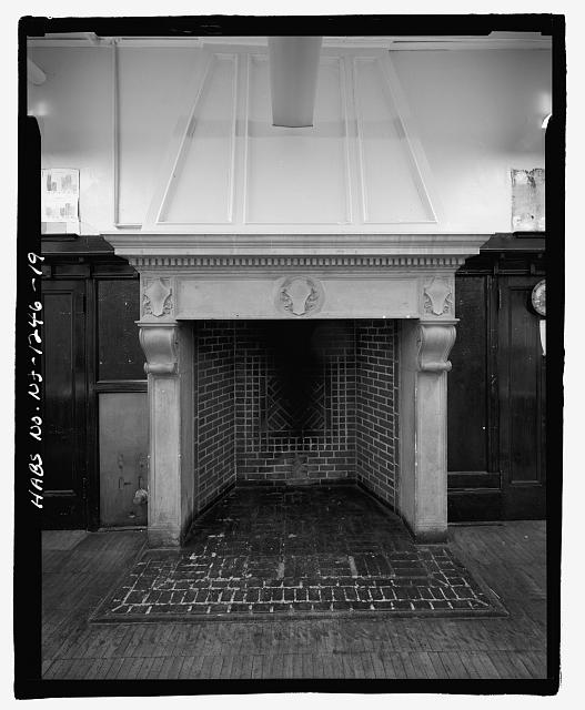 FIRST FLOOR MUSIC ROOM, DETAIL OF SOUTH FIREPLACE - Thirteenth Avenue School, 131 Thirteenth Avenue, Newark, Essex County, NJ