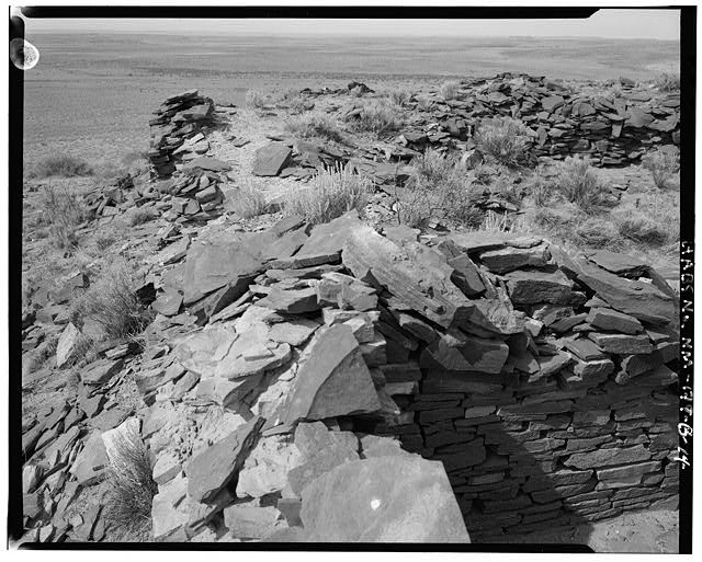 14.  South wall from southeast corner of site, Kiva at upper right - Indian Creek, Casa Cielo, Indian Creek, Crownpoint, McKinley County, NM