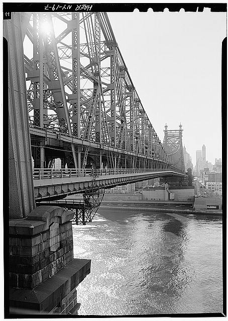 7.  GENERAL VIEW OF UPSTREAM SIDE OF BRIDGE LOOKING TOWARDS MANHATTAN - Queensboro Bridge, Spanning East river & Blackwell's Island, New York, New York County, NY