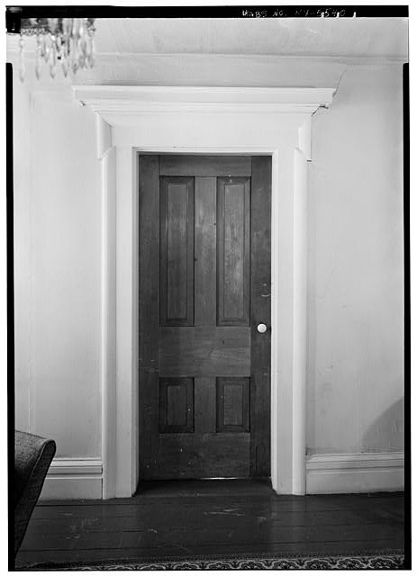 4.  Historic American Buildings Survey, 1963, INTERIOR, DOOR, CENTER ROOM, FIRST FLOOR, SOUTH WALL. - Cyrus Gates House, Old Nanticoke Road, Maine, Broome County, NY