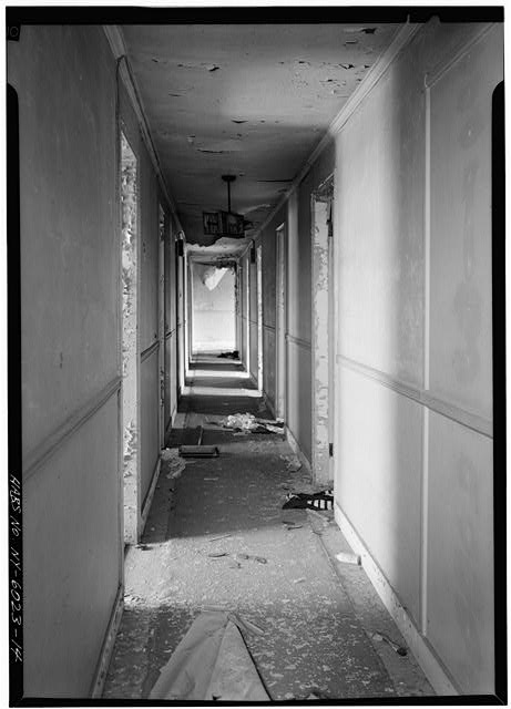 14.  HALL PASSAGEWAY IN ADDITION, SECOND FLOOR, FROM WEST - General Worth Hotel, 213-215 Main Street, Hudson, Columbia County, NY