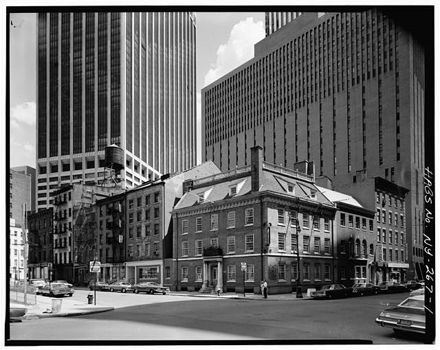 1.  PERSPECTIVE VIEW OF FRAUNCES TAVERN BLOCK, CORNER OF PEARL AND BROAD STREETS, VIEW TAKEN LOOKING EAST - Fraunces Tavern Block, Bounded by Pearl, Water & Broad Streets & Coeties Slip, New York, New York County, NY