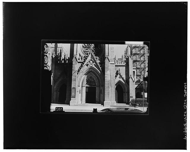 4.  WEST ELEVATION--MAIN ENTRANCE Copy photograph of photogrammetric plate LC-HABS-GS07-T-1116-302L. - Grace Church, Broadway, Tenth Street & Fourth Avenue, New York, New York County, NY