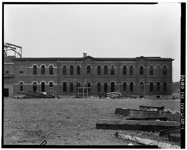 View southeast showing northwest elevation. Credit: Library of Congress (HABS NY,24-BROK,48A-1)