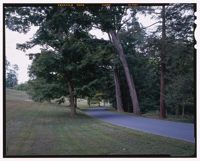 31.  NPS Route 13 near rose garden, view NE. - Vanderbilt Mansion Roads & Bridges, Hyde Park, Dutchess County, NY