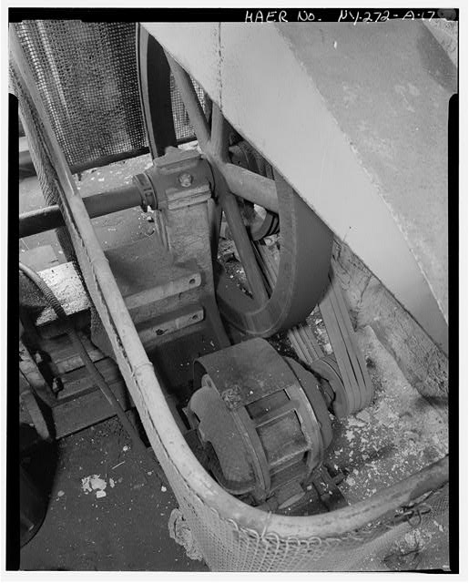 17.  NORTH BAY, DETAIL OF GEO. WHITING CO. PUNCH AND SHEAR ELECTRIC MOTOR DRIVE ARRANGEMENT. - Oldman Boiler Works, Boilershop, 32 Illinois Street, Buffalo, Erie County, NY